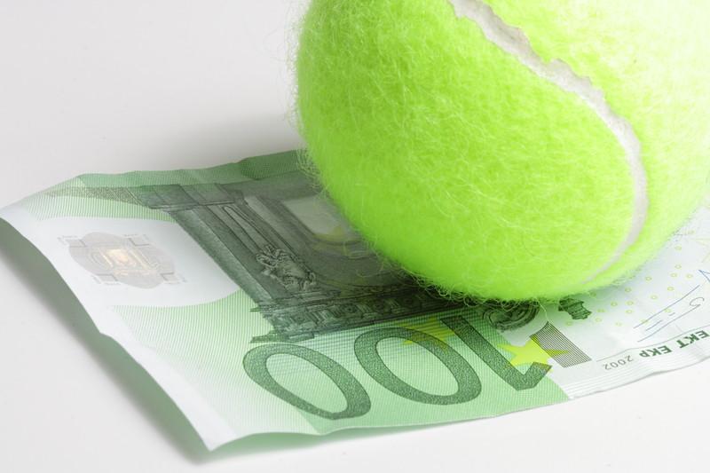 テニスとお金
